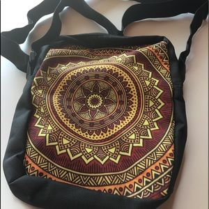 Handbags - Messenger/ crossbody zipper bag with two pockets.
